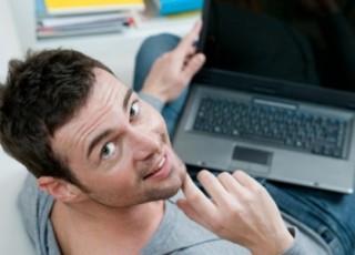 Муж проводит время на сайтах знакомств. Катастрофа?